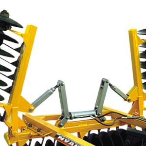 Leveling Disc Harrow Remote Control Articulated by pistons (NVAP).