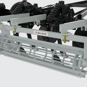 Crumbler roller manufactured with blades and supported on grease bearings and coil springs