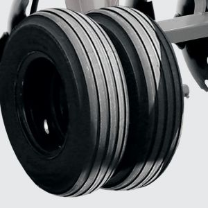 Standart harrow: double ground wheel with tyre 7.50 x 16 for models CRI from 32 to 44 blades.